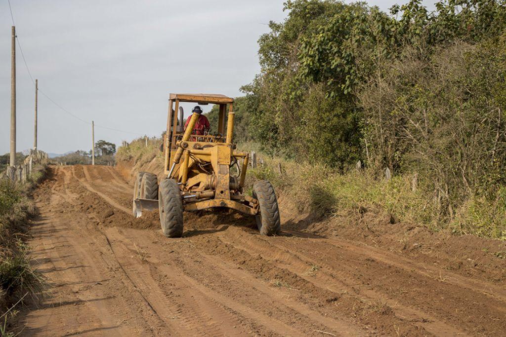 Prefeitura de pouso alegre prefeitura executa obras de alargamento e cascalhamento na imbuia ccuart Choice Image